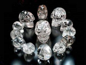 13 хрустальных черепов