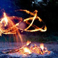 Огненные ритуалы в местах силы
