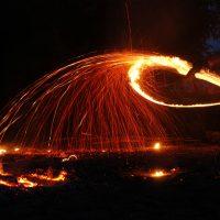 Танец огня в ночи